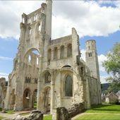 Abbaye de Jumièges (Seine-Maritime 76) AAAA - ONVQF.over-blog.com