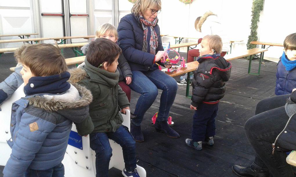 Découverte de la patinoire sur le marché de Noël d'Arras pour les enfants du SAFEP 2-3 ans.
