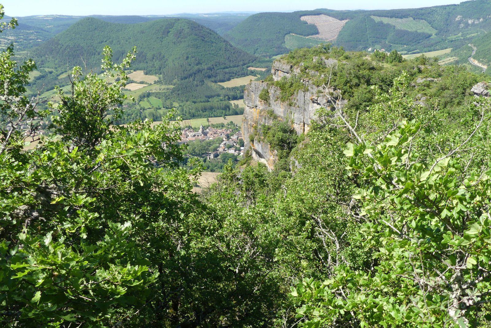 Vue du village depuis le Roc Nantais