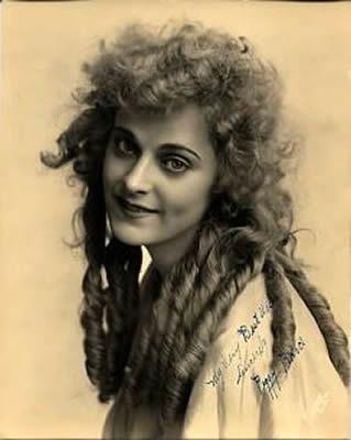 Charlot fait du cinéma de George Nichols avec Charlie Chaplin - Roscoe Arbuckle - Peggy Pearce - Mabel Normand - Ford Sterling