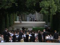 800 Zuhörer begeistert beim Serenaden-Mozartfest-Konzert im Rokokogarten Veitshöchheim