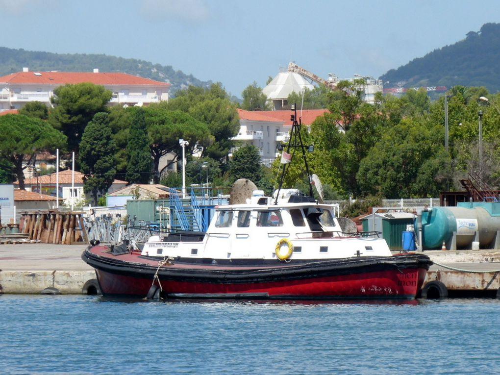 MENHIR , a quai à la Seyne sur Mer , aux chantiers Foselev Marine  le  18 aout 2014