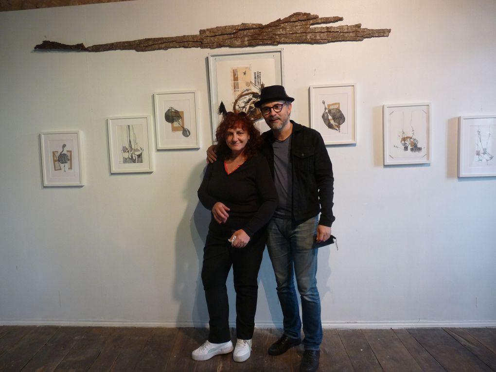 sur les photos les deux artistes, les coprésidentes d'Excit'oeil ,le public et les oeuvres.