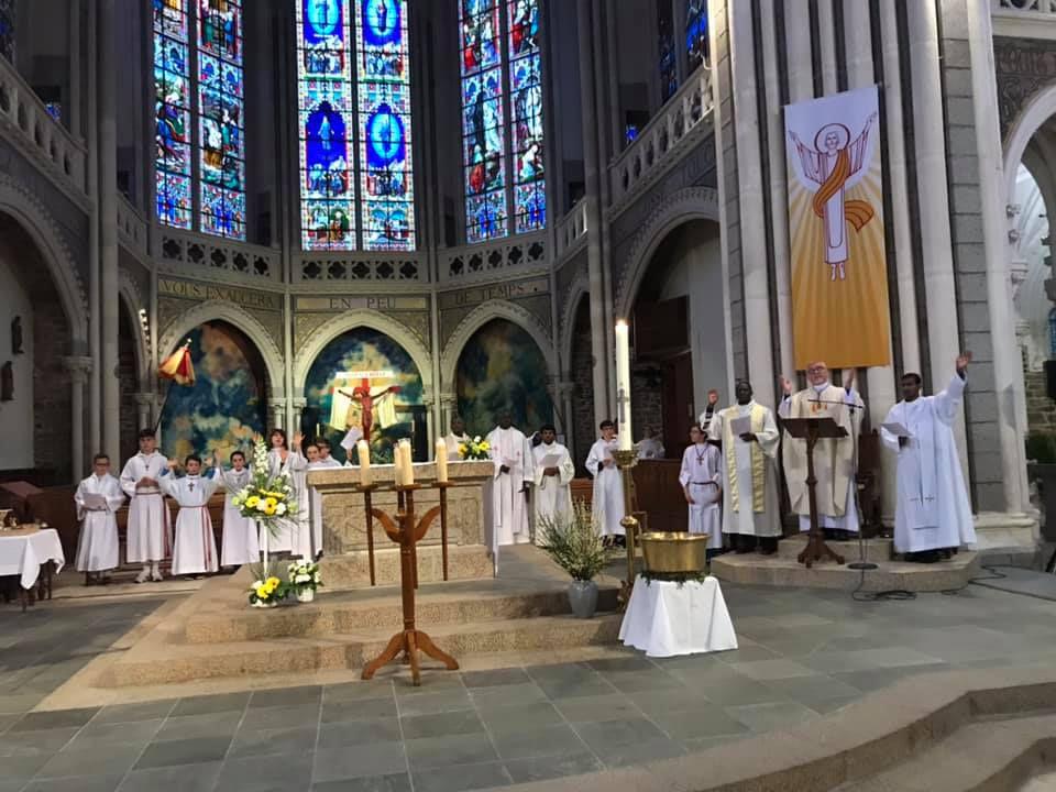 23/26 avril : Pèlerinage à Pontmain pour les collégiens du diocèse