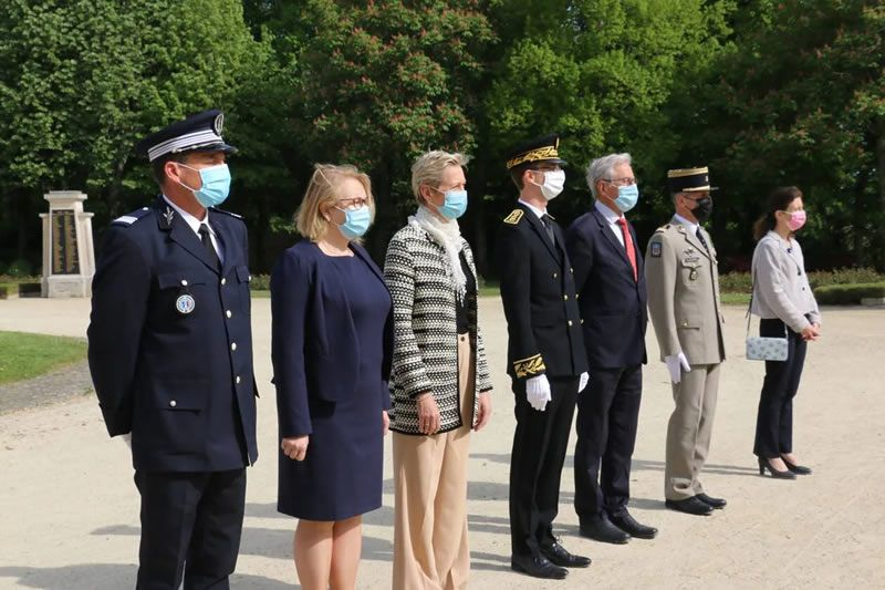 La cérémonie s'est tenue au jardin de la Garenne. | OUEST-FRANCE