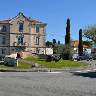 Rond-Point Des Côtes Du Rhône à Valréas (Vaucluse 84600)