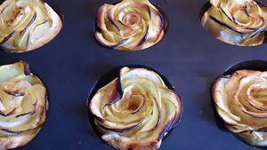 Tartelettes aux pommes en forme de rose.