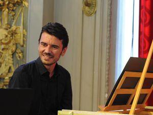 François grenier, la disparition pour cause de crise sanitaire du très grand claveciniste français et co-directeur de l'ensemble hémiola