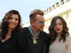 Bono titre de Commandeur des Arts et des Lettres -Paris -16/07/2013