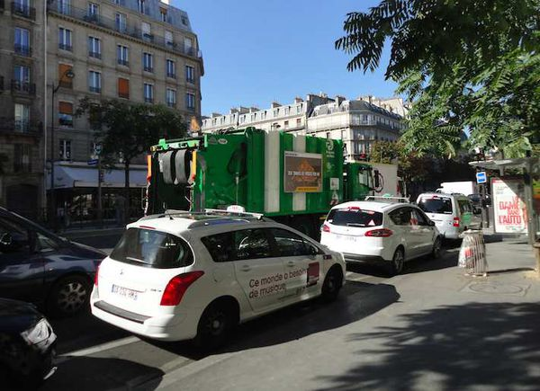 Garbage truck in Paris