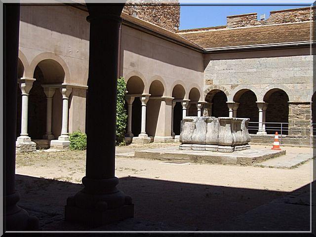 Diaporama monastère, château et village fortifiés de Sant-Pere-de-Rodes