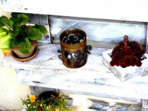 Lanternes magiques ciselées dans des vieilles boîtes de conserves