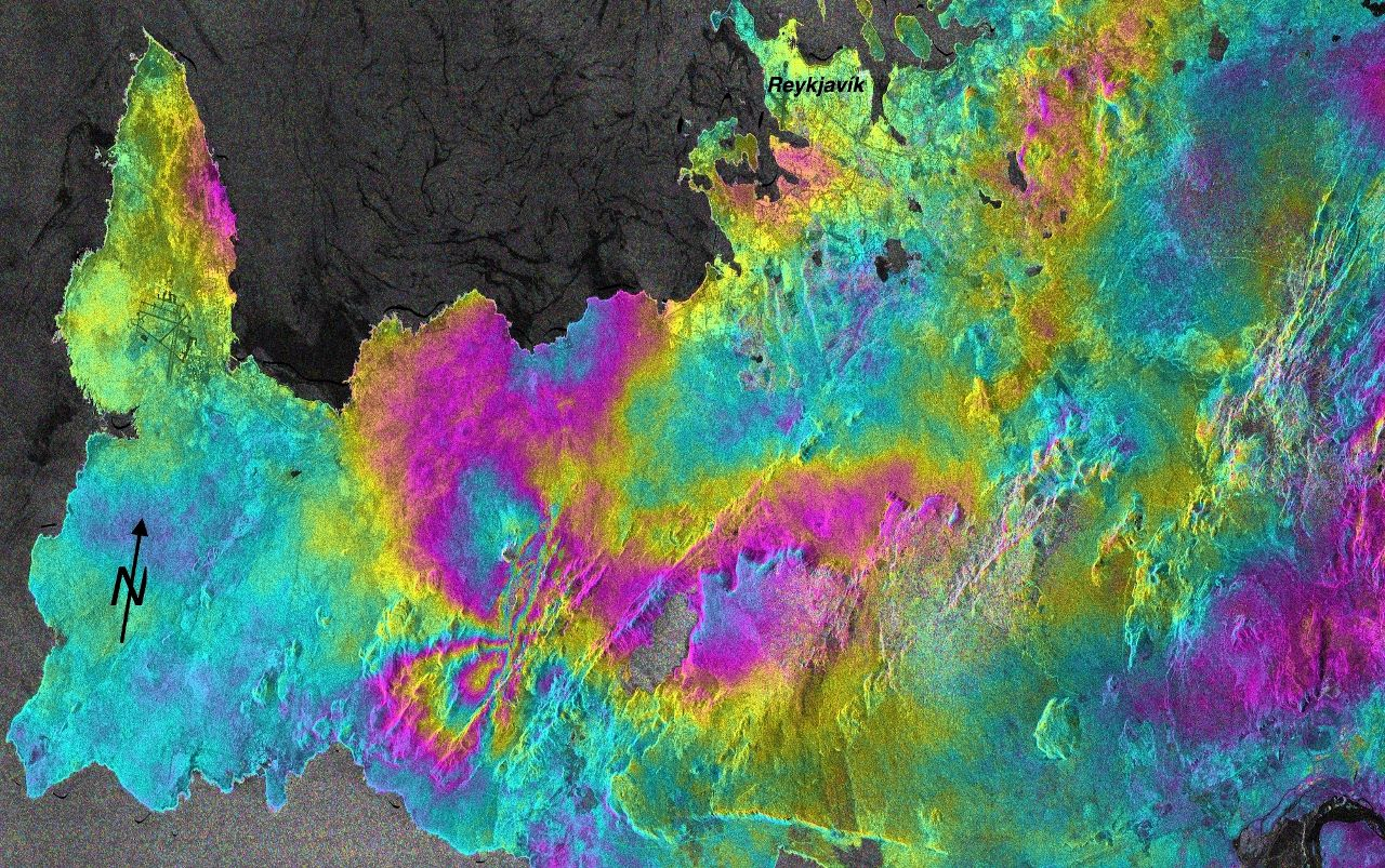Reykjanes Peninsula - 10.2020 - The InSAR Sentinel-1 image of the co-seismic deformation shows the expected north-south right lateral setback failure (processed by Y. Cao, CDI Group, KAUST)