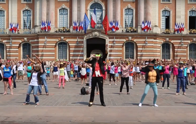 MOJO GEANT - La vidéo du flash mob de Toulouse (PACTproduction) (2013)