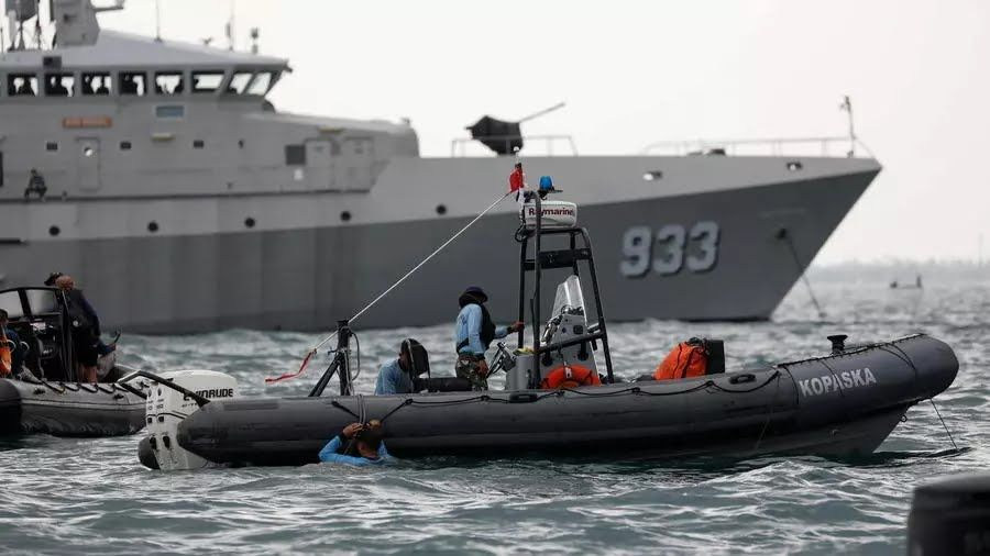 OCEA KRI 933 RIGEL deployed by the Indonesian Navy found one of the two black boxes of the crashed Sriwajaya Air plane