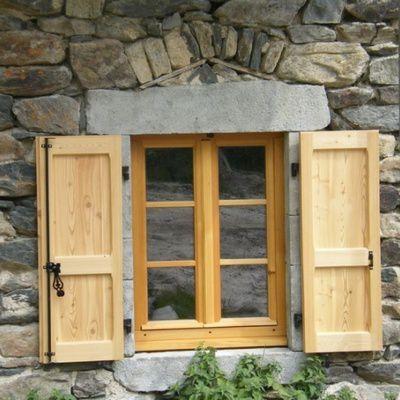 Astuces et conseils pour l'entretien des volets en bois