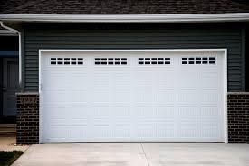 Reasons Why You Should Hire Garage Door Repair Services