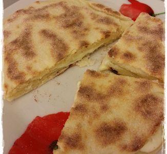 Miam, des cheese naans !