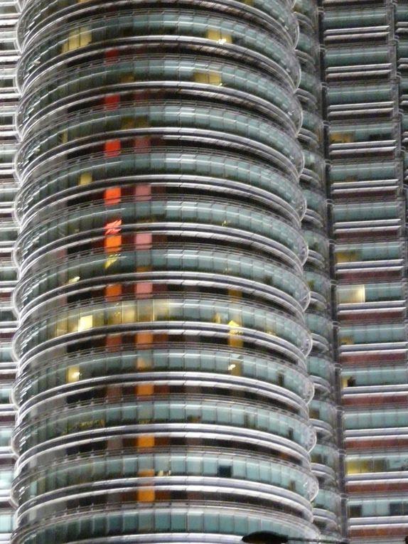 Découverte trop rapide de cette mégapole à taille humaine ... que j'ai retrouvé avec plaisir en 2010 ... ma capitale asiatique, moins flambeuse que Hong Kong !