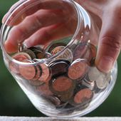 Millions have less than £100 in savings, study finds - BBC News