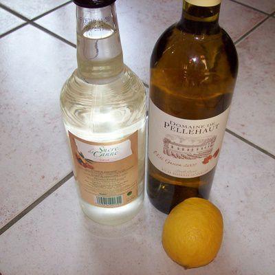 Comment préparer un vin de citron pour l'apéritif ? (ingrédients, préparation)