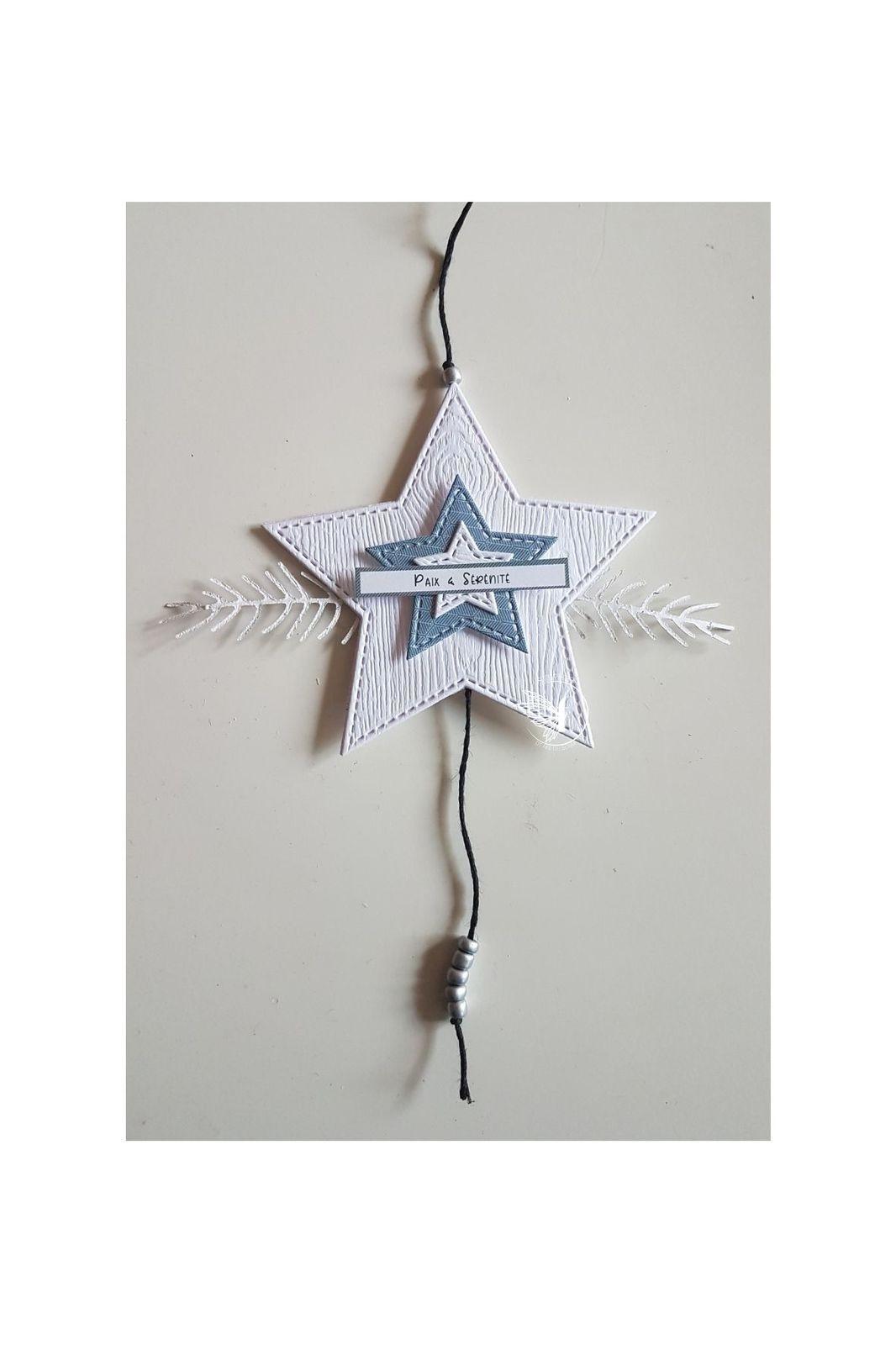 Stephscrap87...dies étoiles...cartes, couronne, tags, décos...
