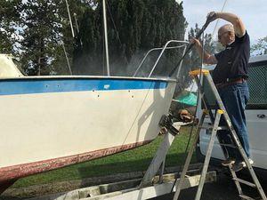 Entretien de la mise à l'eau et nettoyage de bateau