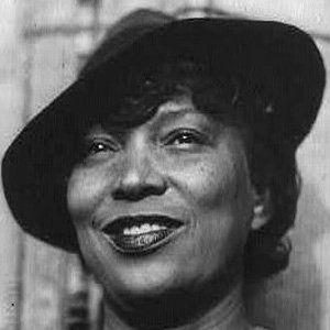 Imágenes de Zora Neale Hurston, antropóloga y escritora folklorista afronorteamericana y una de las figuras más importantes del Renacimiento de Harlem.- El Muni.