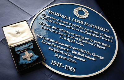 British Airways sponsors Blue Plaque for hero stewardess
