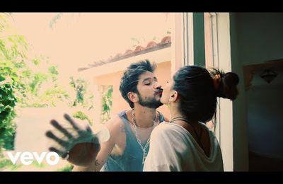 Camilo présente «Vida de Rico», une cumbia qu'il utilise pour affirmer que les rêves peuvent devenir réalité