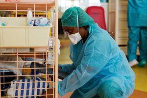 Coronavirus à Nantes : En manque de blouses, les soignants du CHU lancent un appel aux dons