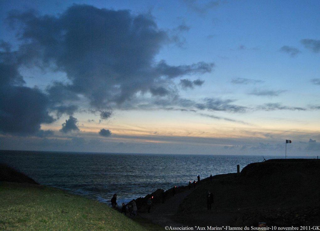 Jeudi 10 novembre 2011 - ravivage et partage de la Flamme du Souvenir sous la présidence de M. Pascal Mailhos, Préfet du Finistère