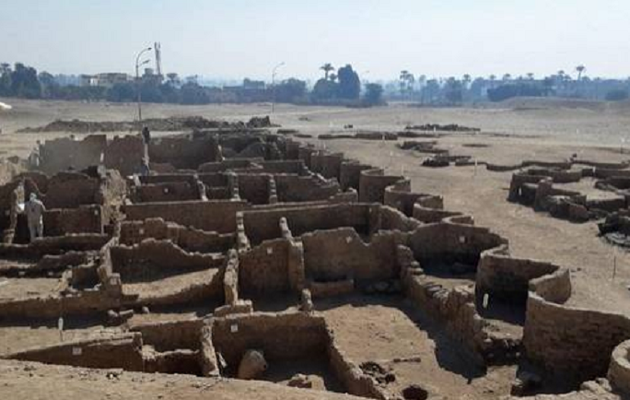 'Lost golden city' buried under the sands uncovered in Egypt