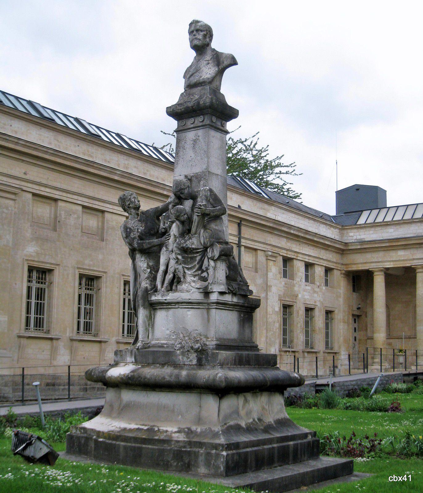 Frédéric Petit, Bibliothèque Louis Aragon (Amiens)