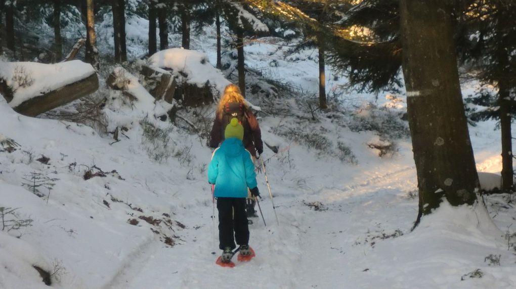 Ma petite tribu en marche vers le Valsberg.