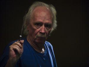 john carpenter, un très grand cinéaste, scénariste, monteur, compositeur, et producteur américain