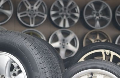 How to Maintain Good Customer Service When Running a Tire Shop