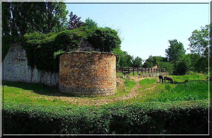 Diaporama château des MINIMES à Bommiers