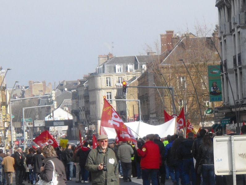 Manifestation commune CGT-CFDT contre les retraites, les attaques contre le service public, pour l'emploi