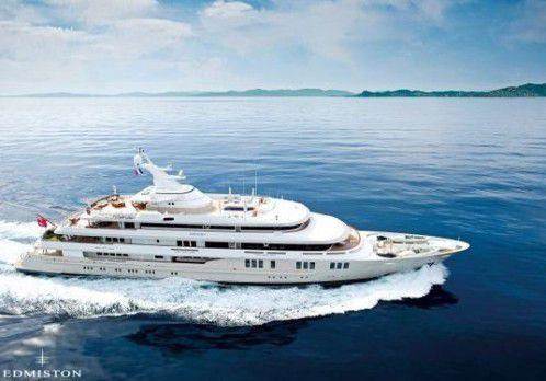 Bernard Tapie vend son  yacht pour éponger ses dettes et se payer Nice Matin