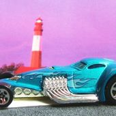 HAMMERED COUPE HOT WHEELS 1/64 VOITURE MINIATURE FUTURISTE - car-collector.net