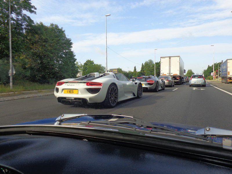 Porsche 9..??!! Grosses cylindrées en tout cas!!