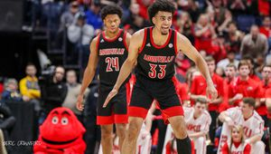 NCAA : Louisville passe n°1 devant Kansas, Maryland et Michigan