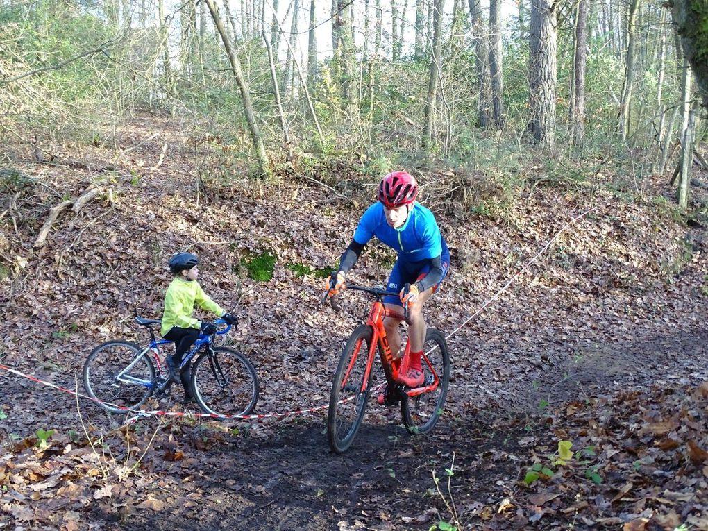 Album photos du cyclo-cross FSGT de La Hauteville (78)
