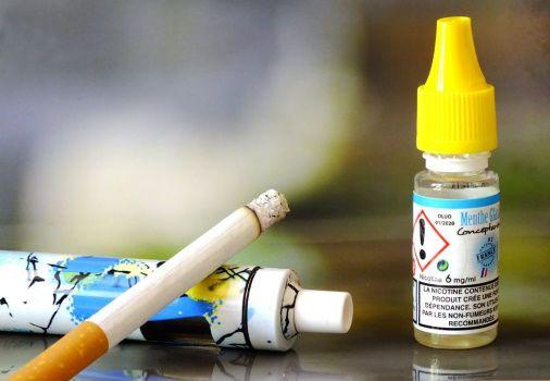 Selon des chercheurs, des messages positifs sur les eliquides seraient utiles pour les fumeurs