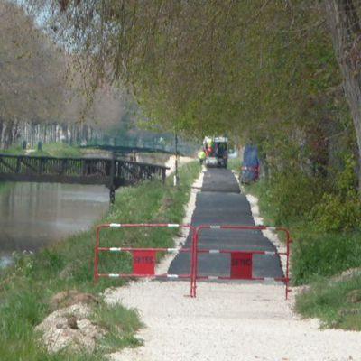 La rive du canal mieux carrossée que la rue de l'Hospice !