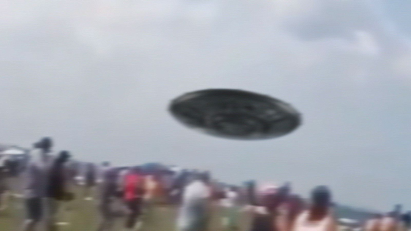 👽 Disc UFO Low Pass over Miami Beach