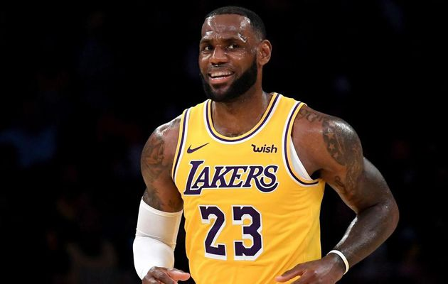 LeBron James en verve au Staples Center