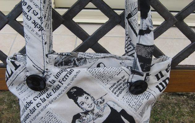 sac de ville thème journaux noir et blanc