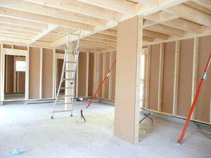 Construire en bois n'est pas nouveau. Le bois est le matériau durable. Il permet la rapidité et la souplesse.